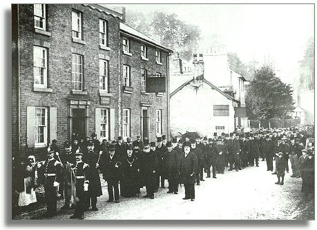 Parade of officials in 1901
